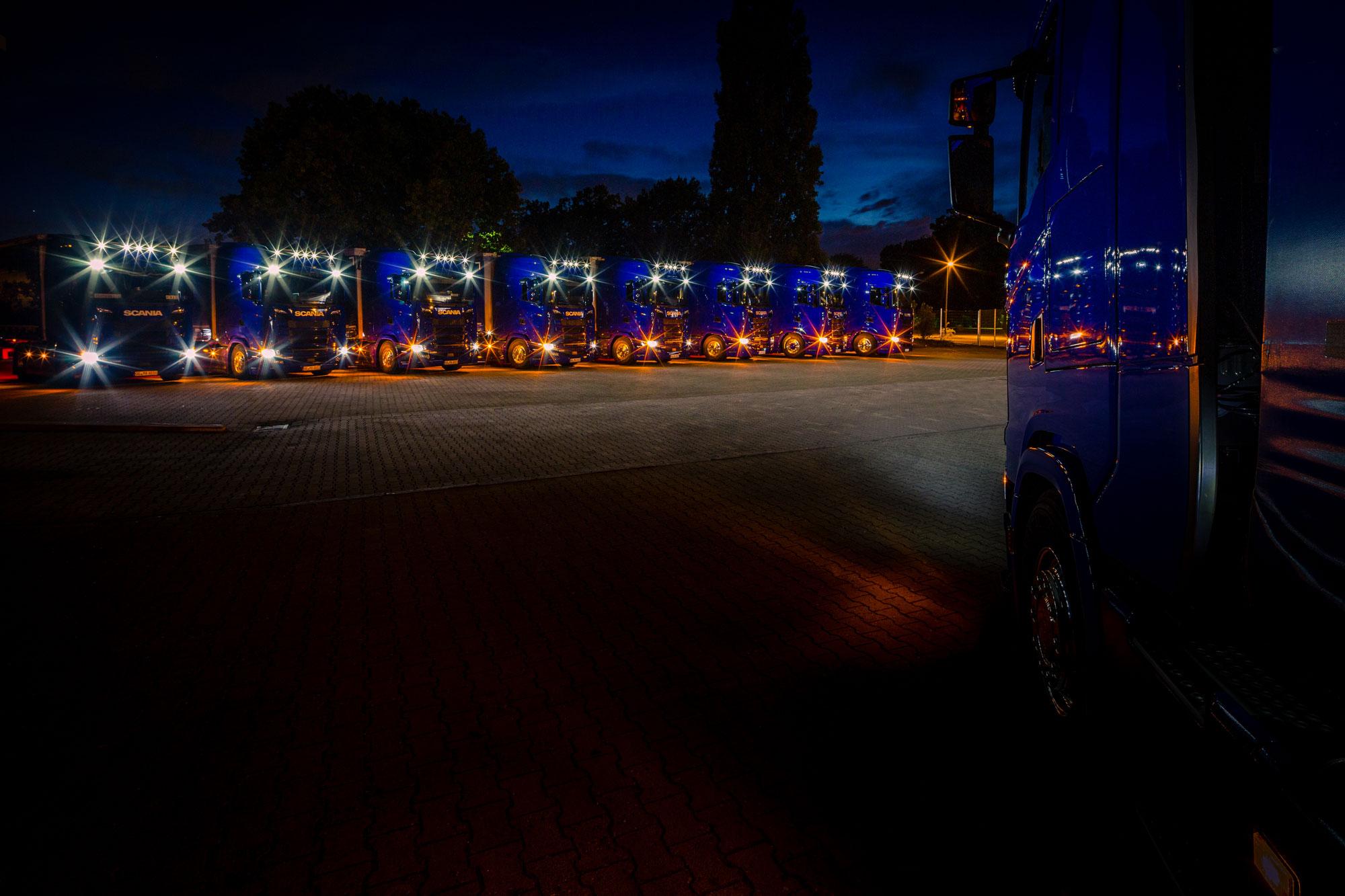 Frischer Wind im Getriebe: Acht neue Sattelzüge von Scania